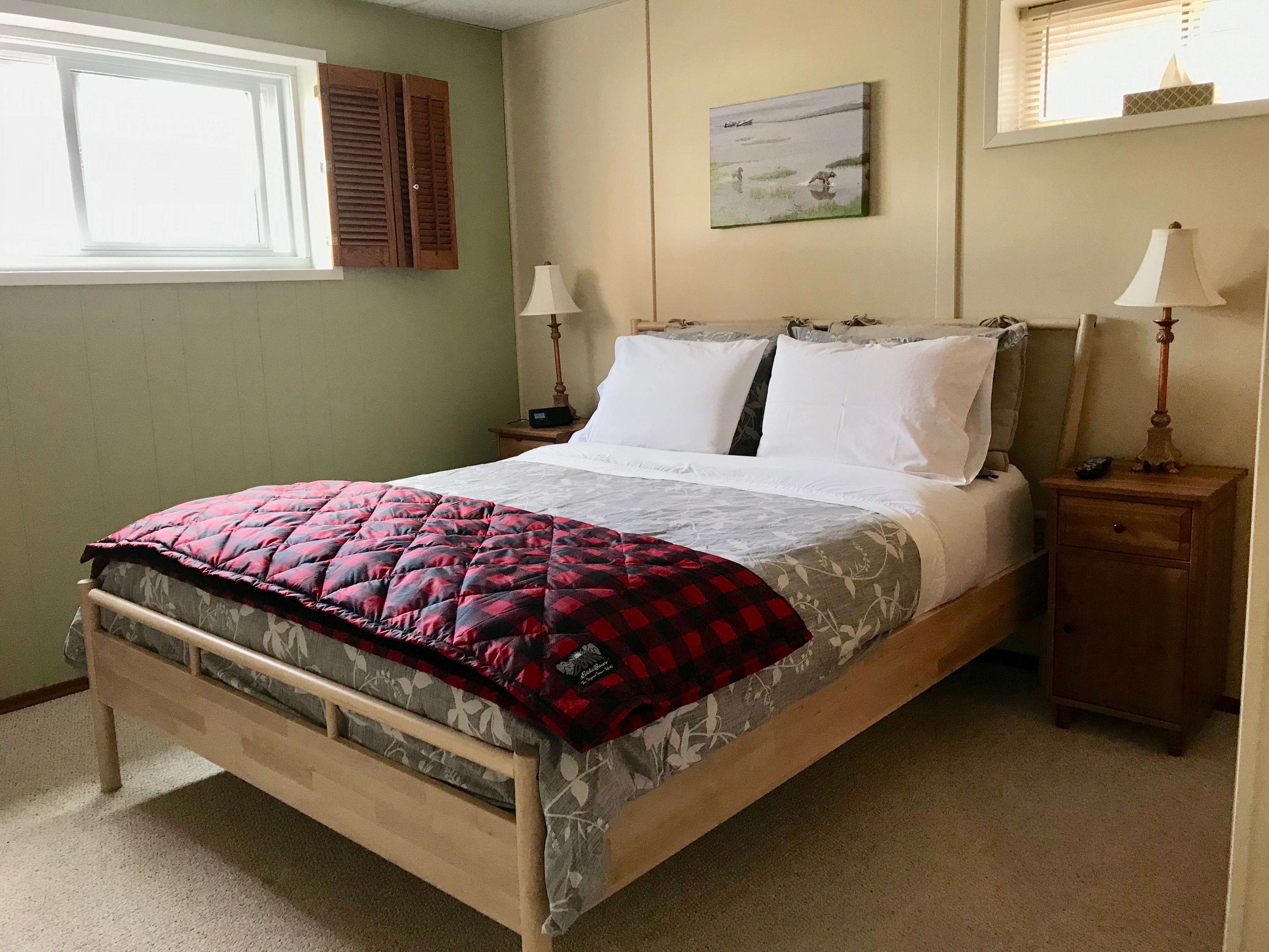 Whistler's Guest House - image on stayinjasper.com