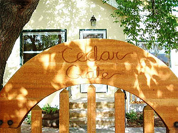 Cedar Gate Home Accommodation - image on stayinjasper.com
